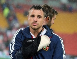 Poor Tommy B - how did I manage to miss him breaking his hand during the match :O(